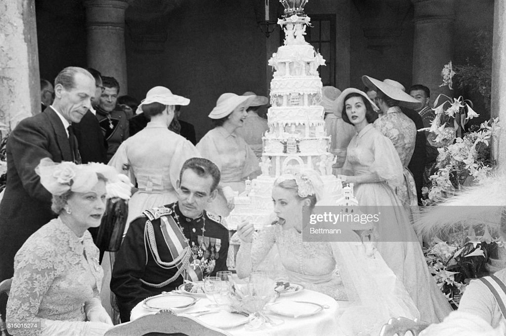 Prince Rainier and Grace Kelly Eating at Wedding Reception Pictures ...