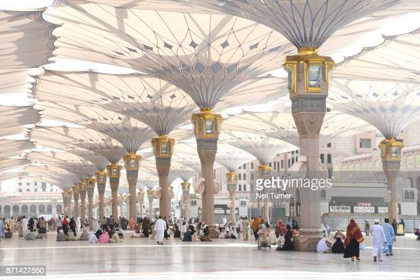 the tents of the prophet's mosque, medina, saudi arabia. - al masjid al nabawi stock pictures, royalty-free photos & images