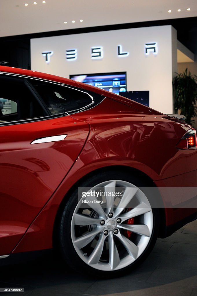 Tesla Revamps Stores Worldwide As It Prepares For Model X Debut ...