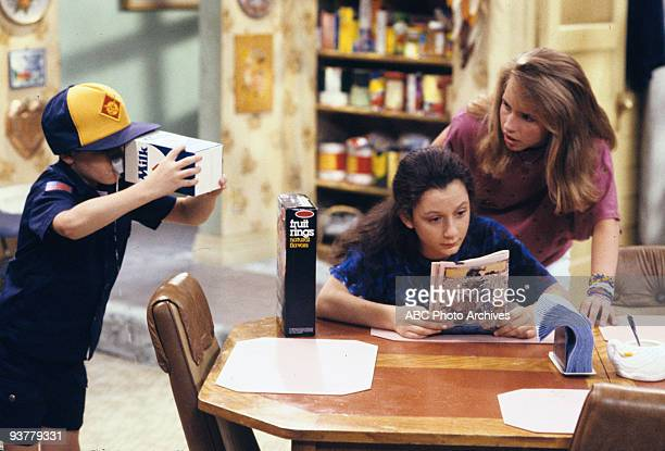 ROSEANNE 'The Test' Season Three 9/18/90 D J Darlene and Becky were on pins and needles when Roseanne thought that she was pregnant again