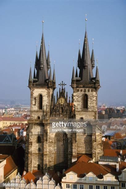 The Teynkirche in Prague Photography Around 2000 [Die TeynKirche in Prag Photographie Tschechien Um 2000]