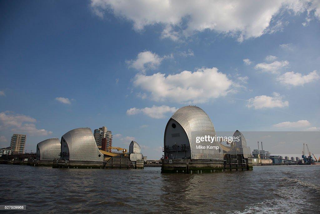 UK - London - The Thames Barrier tidal defences : Nachrichtenfoto