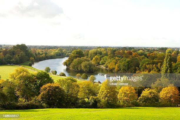 the thames, richmond. - richmond upon thames stock pictures, royalty-free photos & images