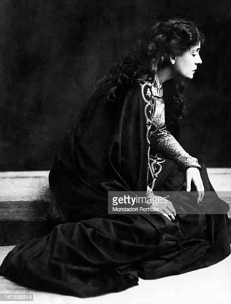 The theatre actress Eleonora Duse playing Francesca da Polenta in the tragedy 'Francesca da Rimini' Rome 1901