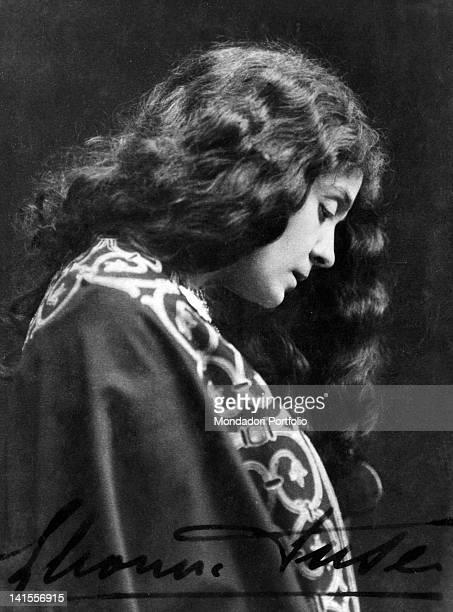 The theatre actress Eleonora Duse playing Francesca da Polenta in the tragedy 'Francesca da Rimini' Genoa 1902