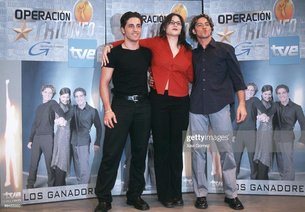 ¿Cuánto mide David Bustamante? - Estatura real: 1,73 - Peso AQUI - Real height - Página 4 The-three-finalists-the-three-winners-rosa-david-bustamante-and-david-picture-id89433350