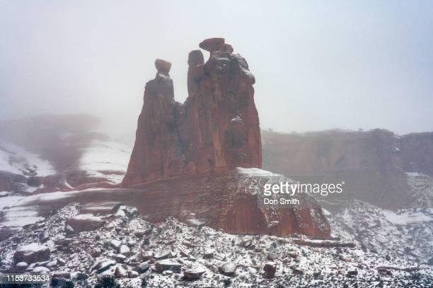the three gossips, arches national park - don smith stock-fotos und bilder
