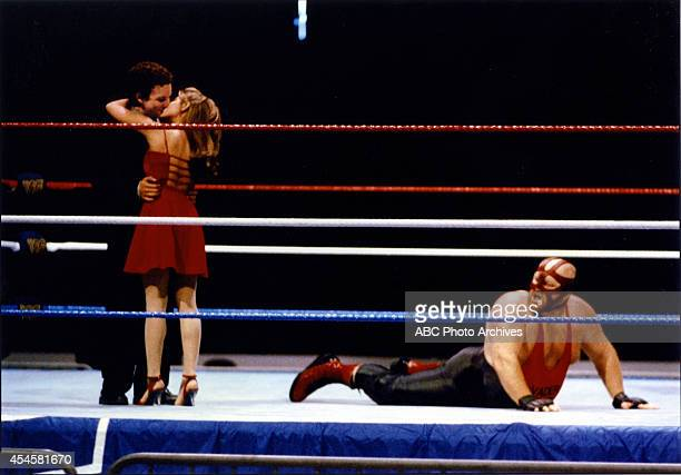 WORLD The Thrilla' in Phila Airdate May 5 1995 BEN SAVAGEDANIELLE FISHELLEON ALLEN WHITE