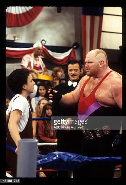 WORLD The Thrilla' in Phila Airdate May 5 1995 BEN SAVAGEROBERT GOULETLEON ALLEN WHITE