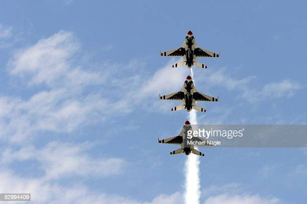 The Thunderbirds fly through the sky during the New York Airshow on May 28 2005 at Jones Beach in Wantagh New York The airshow which featured the Air...