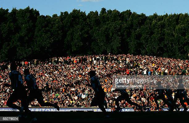 The Tigers kick off during the round 20 NRL match between the Wests Tigers and the South Sydney Rabbitohs at Leichhardt Oval July 24, 2005 in Sydney,...