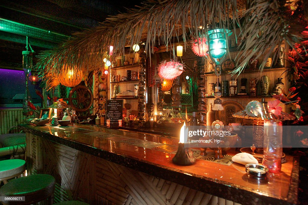 The Tiki Bar In The Basement Of The Home Of Alan Smart And Michael  Uhlenkott In
