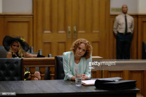 LADY KILLER 'The Timeline' Episode 202 Pictured Kristin Chenoweth as Lavinia PeckFoster Jayma Mays as Carol Anne Keane