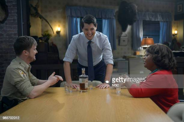 LADY KILLER 'The Timeline' Episode 202 Pictured Steven Boyer as Dwayne Reed Nicholas D'Agosto as Josh Segal Sherri Shepherd as Anne Flatch