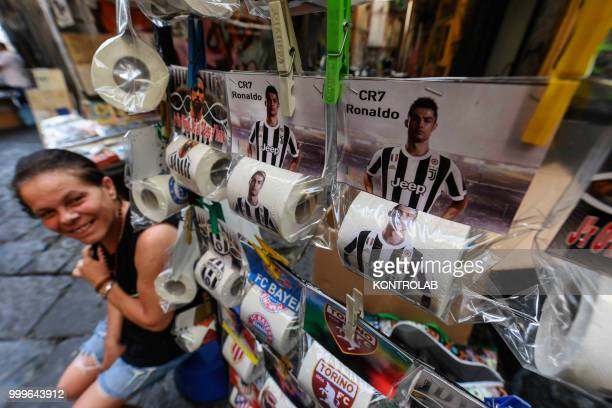 The toilet paper with the photo of Cristiano Ronaldo with the Juventus FC shirt in Naples is ready and on sale The Neapolitans have already started...