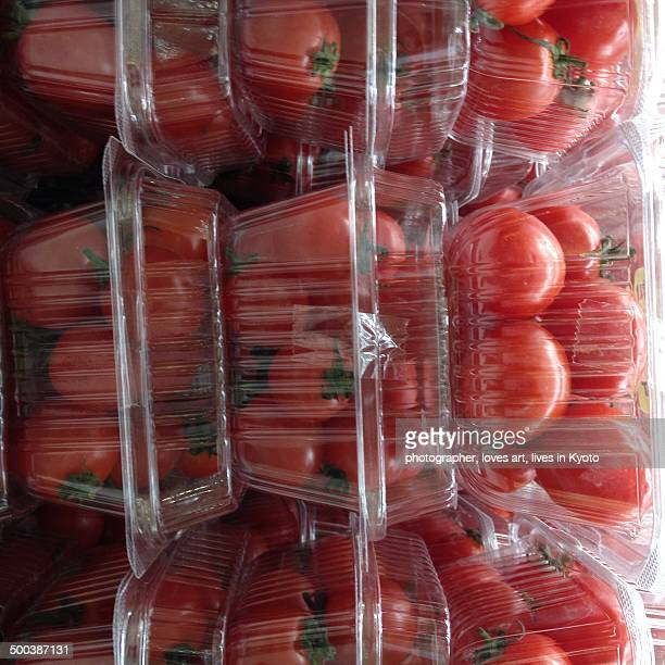 The tomato which was packed in a pack