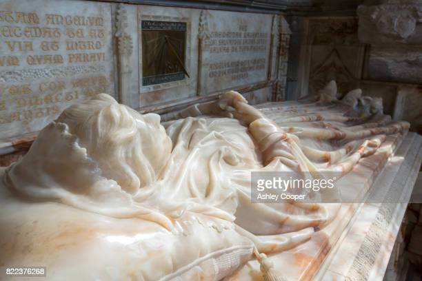 the tomb of lady maidstone in st davids cathedral in st davids, pembrokeshire, wales, uk. - st davids stock pictures, royalty-free photos & images