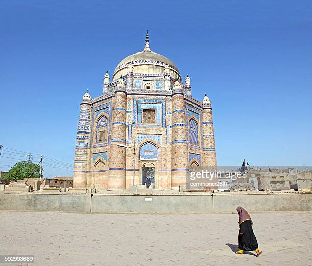 the tomb of shah rukn-e-alam - multan stock pictures, royalty-free photos & images