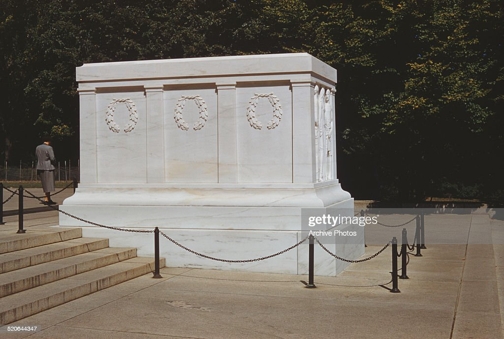Tomb Of The Unknowns : News Photo