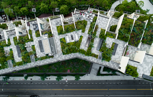 The top directly above view to the modern rooftops with gardens in Brooklyn Heights, at the waterfront nearby Esplanade and Brooklyn Bridge Park 1017143736