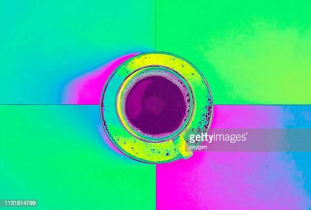the top view of abstract neon colored cup of coffee, flatlay - fluorescerende stockfoto's en -beelden