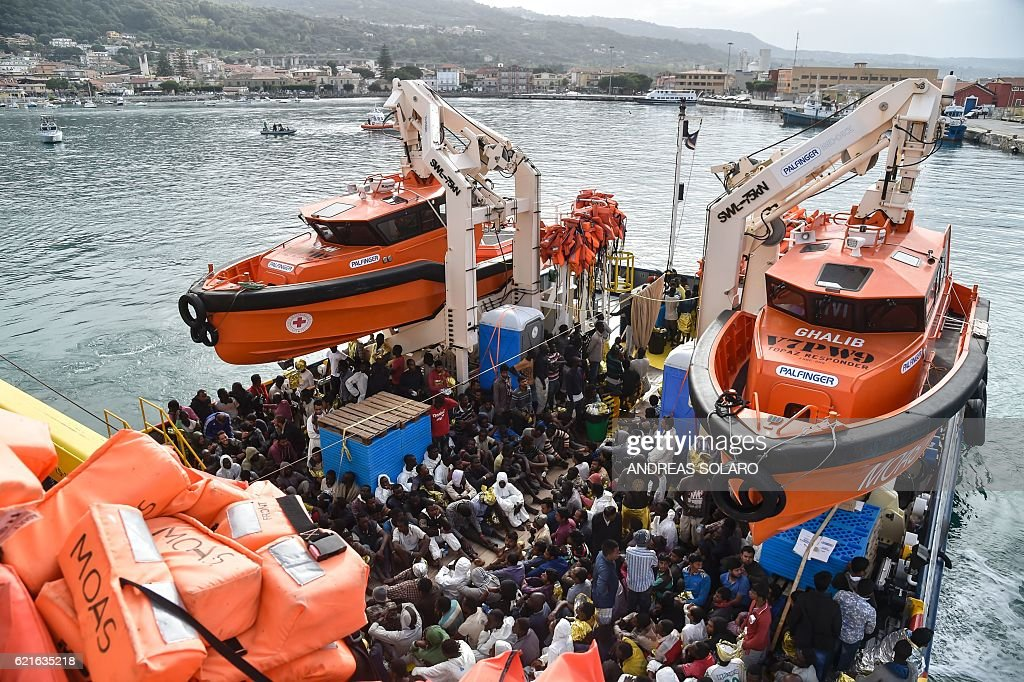 ITALY-MIGRANTS-REFUGEES-RESCUE : News Photo