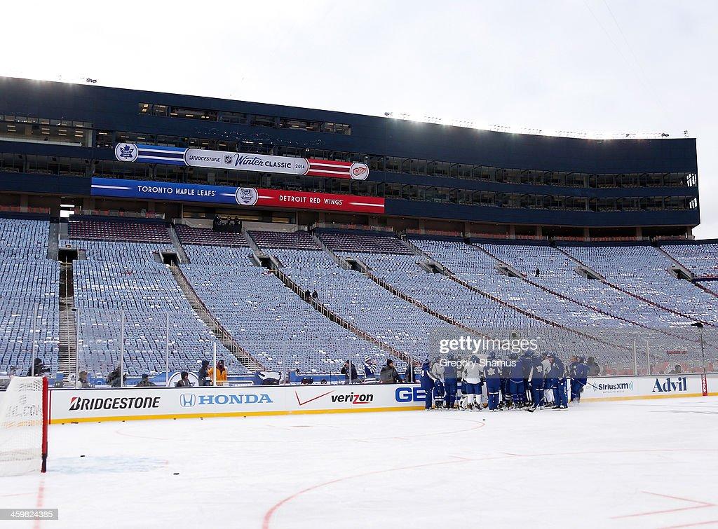 2014 Bridgestone NHL Winter Classic - Team Practice Sessions : News Photo