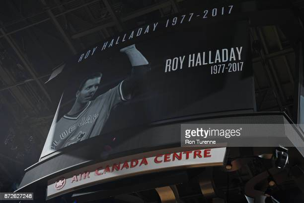 The Toronto Raptors honor MLB player Roy Halladay during the game against the Chicago Bulls on November 7 2017 at the Air Canada Centre in Toronto...