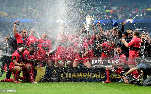 The Toulon team celebrate their victory during the European Rugby Champions Cup Final match between ASM Clermont Auvergne and RC Toulon at Twickenham...