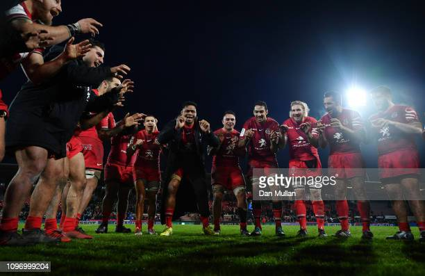 The Toulouse players celebrate their victory following the Champions Cup match between Toulouse and Bath Rugby at Stade ErnestWallon on January 20...