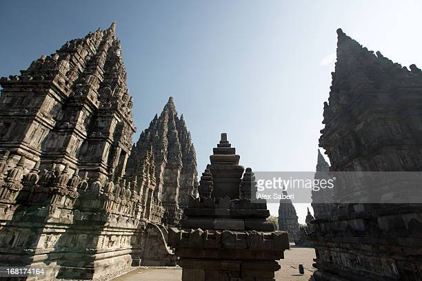 the towers of the hindu prambanan temples in central java. - alex saberi fotografías e imágenes de stock