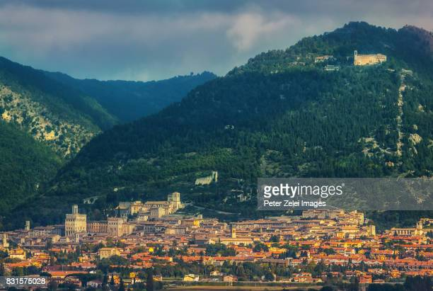 the town of gubbio in the distance, umbria, italy - gubbio stock pictures, royalty-free photos & images