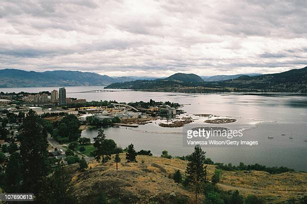 the town of kelowna - kelowna stock pictures, royalty-free photos & images