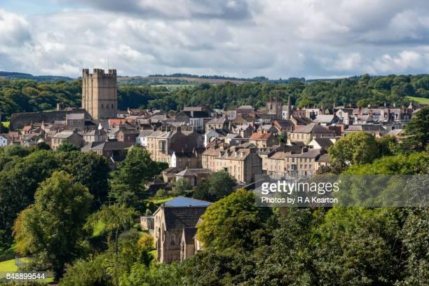 the town of richmond, north yorkshire, england - ヨークシャー ストックフォトと画像