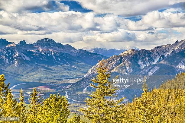 the township of banff and surrounding area - sulphur mountain stock pictures, royalty-free photos & images