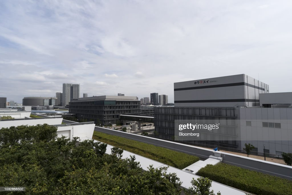 The Toyosu Market stands in Tokyo, Japan, on Thursday, Sept. 13, 2018. The Toyosu Market, where the iconic Tsukiji fish market will relocate to, is scheduled to being operations on Oct. 11. Photographer: Tomohiro Ohsumi/Bloomberg via Getty Images