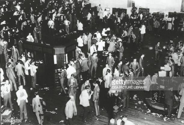 The trading floor of the New York Stock Exchange on the day of the Wall Street crash, October 29 New York, USA, 20th century.