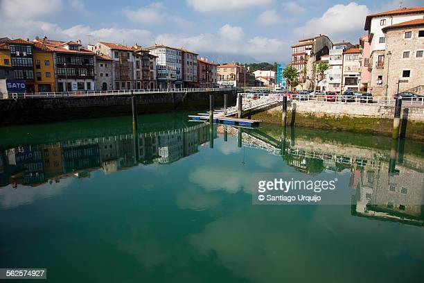 the traditional fishing village of llanes - llanes fotografías e imágenes de stock