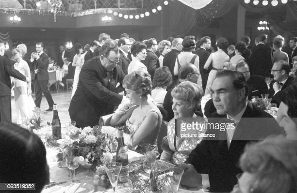 The traditional Munich 'Bal Paré' takes place on 18 January 1963 where guests of politics economy and culture come together The picture shows Federal...