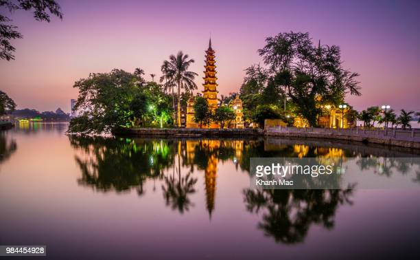 the tran quoc pagoda in vietnam. - hanoi stock pictures, royalty-free photos & images