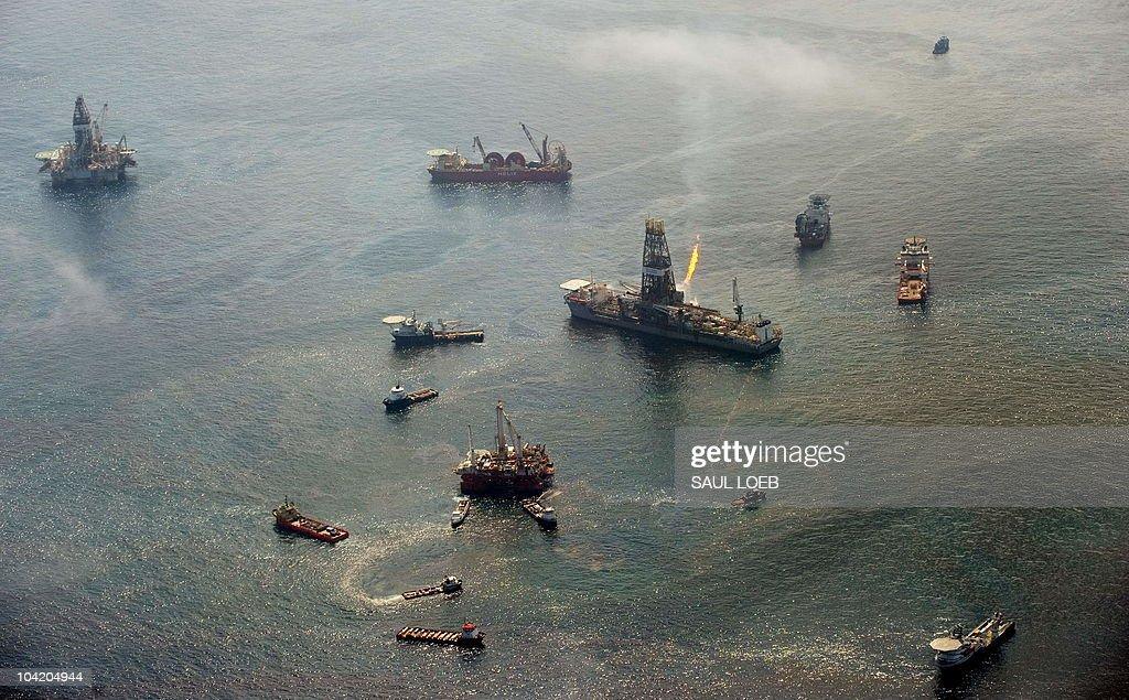 The Transocean Discoverer Enterprise dri : News Photo