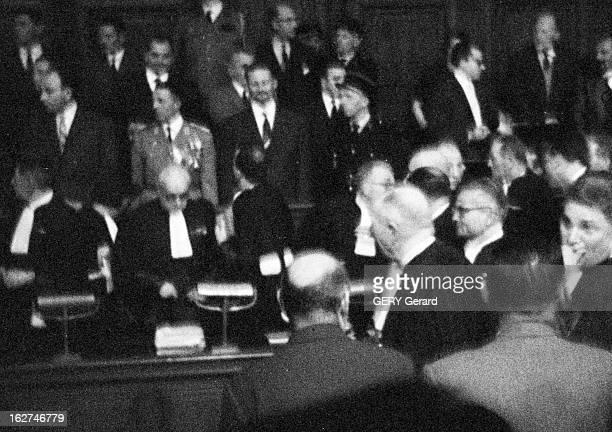 The Trial Of The Barricades Paris en novembre 1960 se tient le procès dit « des Barricades » des partisans de l'Algérie française instigateurs de la...