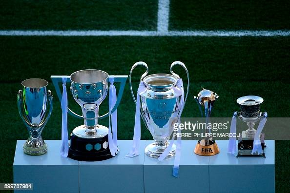 The trophies of the UEFA Super Cup, the Spanish League ...