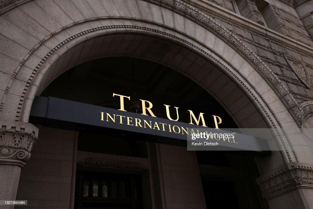 Lease For Trump's DC Hotel Put Up For Sale For Second Time : Foto di attualità
