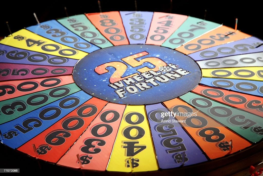 Wheel Of Fortune Celebrates Its 25th Anniversary : News Photo
