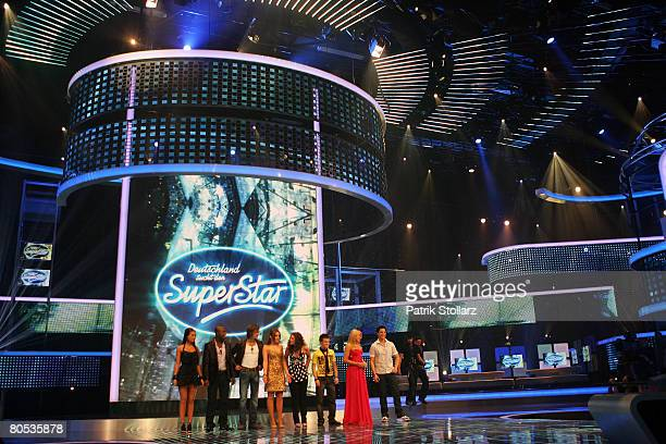 The TV Set with the candidates pictured during the singer qualifying contest DSDS Deutschland sucht den Superstar mottoshow on April 5 2008 at the...