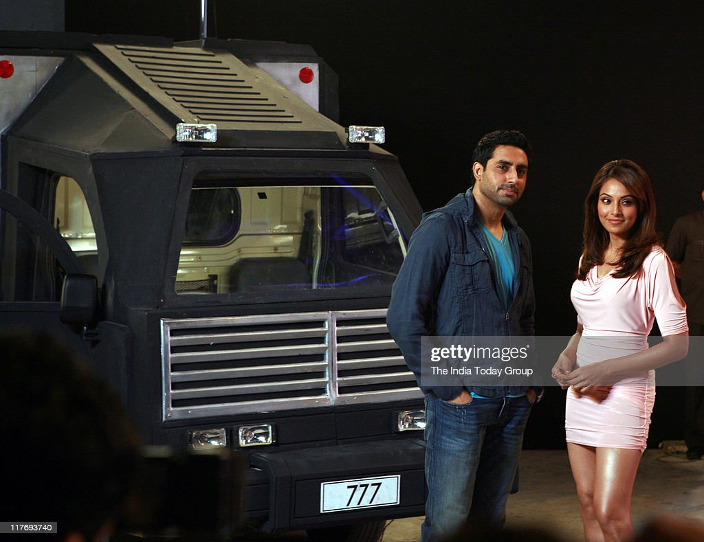 The two co star of `players` Abhishek Bachchan and Bipasha Basu happily posed in filmcity during the visit of New Zealand Prime Minister RT Hon John..