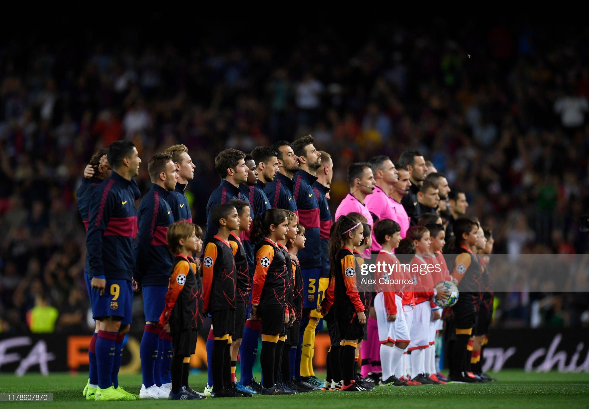 صور مباراة : برشلونة - إنتر 2-1 ( 02-10-2019 )  The-two-sides-line-up-prior-to-the-uefa-champions-league-group-f-fc-picture-id1178607870?s=2048x2048