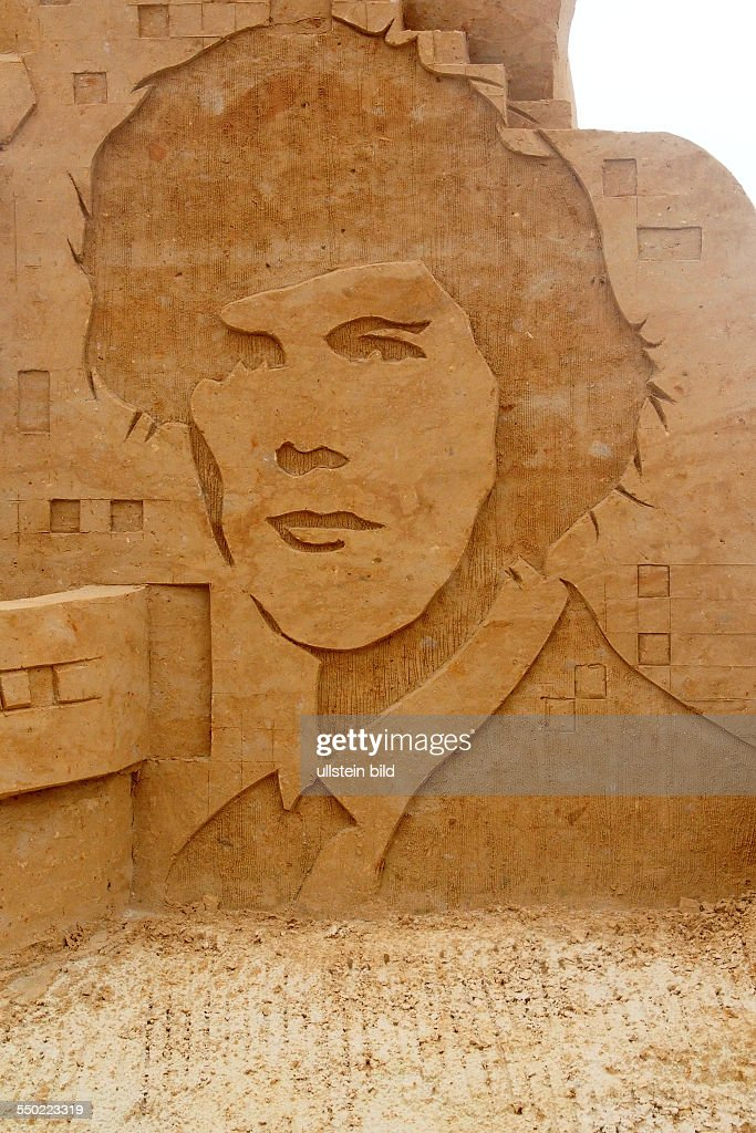 The two thousand years, 2000s, Sand Sculpture Festival with
