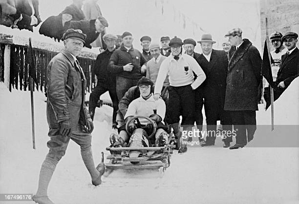The two-man world championship team Hanns Kilian and Sebastian Huber after her victory at the Bob World Championships in Oberhof. 2nd February 1931....